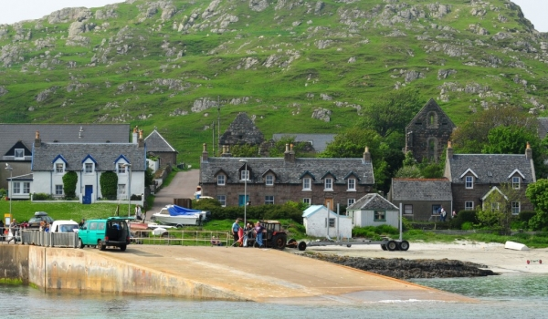 MULL Iona Island Ferry Departure