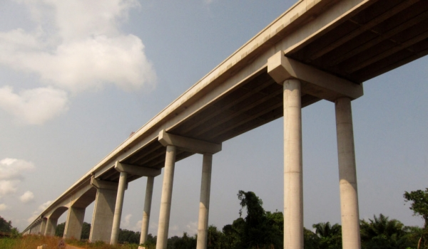 Bridge built by a Chinese firm