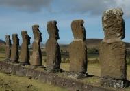 Akivi-7 Moai facing the sea