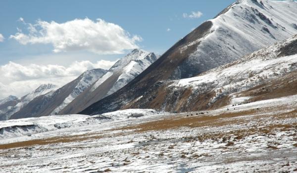 TIBET  Bayi Road