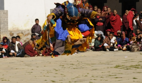 1 monk jumping up