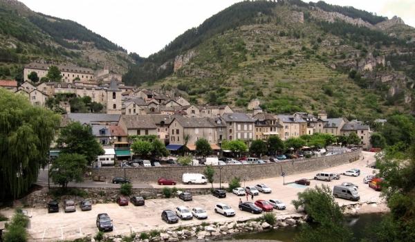 Sainte-Enimie-near Tarn River