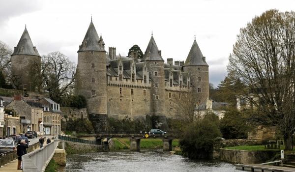 Josselin Castle & River Oust