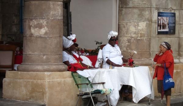 Fortune Teller in Old Havana